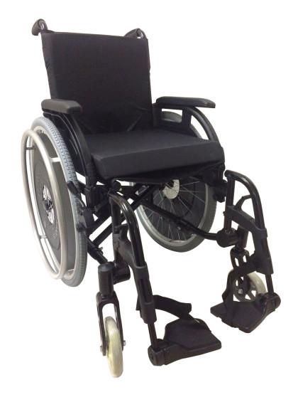Cadeira de Rodas K3 Alumínio Pés Removíveis 44cm Preto Ortobras